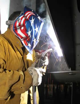 Live welding with a Bernard W-Gun semi-automatic water-cooled MIG gun