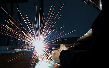 Welding in a semi-automatic application
